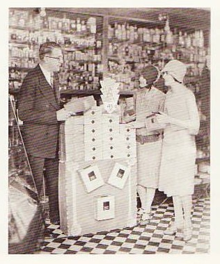 Women Buying MODESS, 1920s