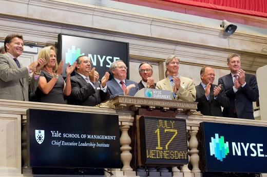 NEW YORK, NY – JULY 16: CEOs from NYSE-listed companies ring the closing bell at the New York Stock Exchange on July 16, 2013 in New York City.  (Photo by Ben Hider/NYSE Euronext)