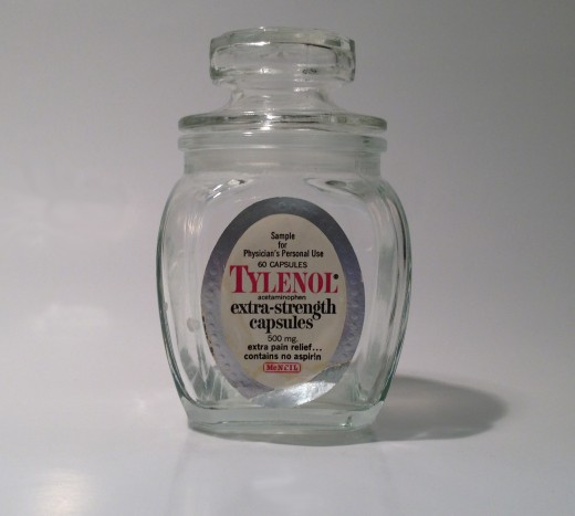 TYLENOL® physician's sample bottle from circa 1978.