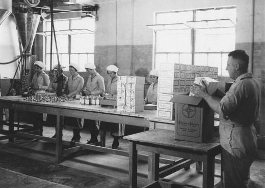Manufacturing at the Johnson & Johnson operating company in Australia, 1931.  Photo courtesy of Johnson & Johnson, 75 Years of Caring, Australia and New Zealand, by Peter Donovan, 2006.