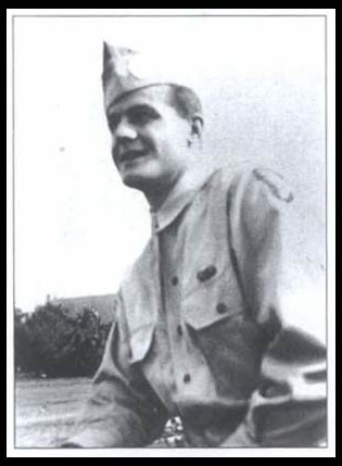 Vinnie Utz in uniform, WWII.  Photo courtesy of the Utz family and reproduced in The Pingry Review, Spring/Summer 1994.